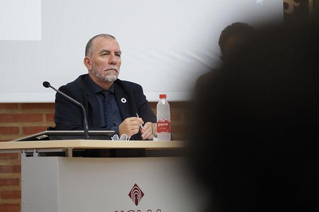 Joaquín Nieto, director de la Oficina de la Organización Internacional del Trabajo en España, durante el acto sindical de CCOO con motivo del Día del Trabajo Decente. Foto: Manuel Lozano Garcia / La Cerca