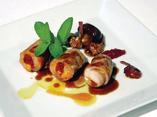 La cocina de Adolfo consiste en transformar las materias primas en una obra de arte.