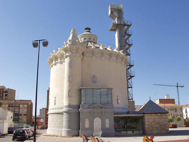Los Dépositos del Sol de Albacete han sido recuperados para la cultura, convirtiéndolos en Biblioteca.
