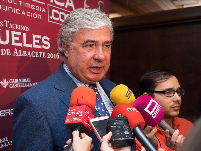 En ganadero Juan Ignacio Pérez Tabernero, en la Gala de entrega de los XI Premios Taurinos Samueles correspondientes a la Feria de Taurina de Albacete 2016