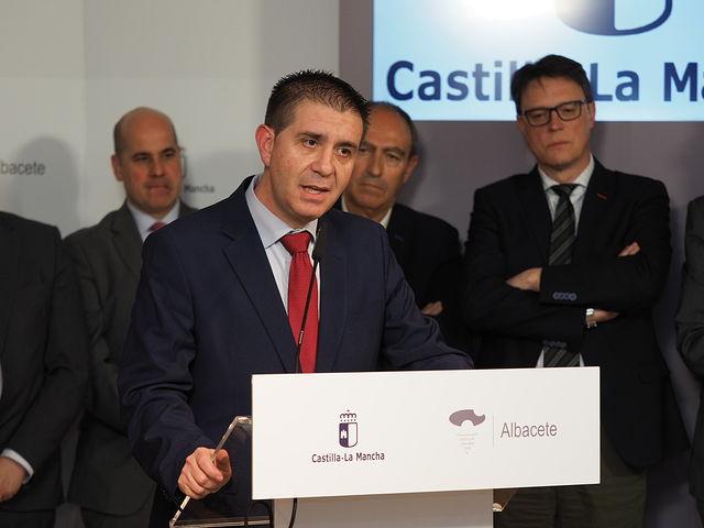 Sesión constitutiva de la Cámara de Comercio de Albacete, en la Casa Perona.
