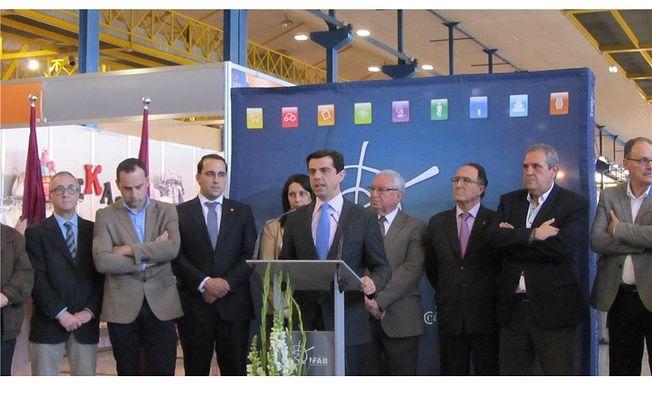 Fermín Gómez asiste a la inauguración de Comercia, la Feria del Stock que se celebra este fin de semana en Albacete