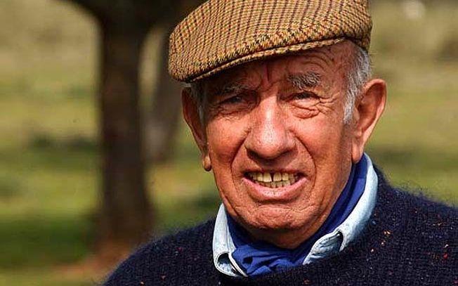Victorino Martín Andrés, ha recibido a título póstumo el III Premio Constantino González que entrega la Asociación de Aficionados al Toro de Albacete. Imagen de archivo.