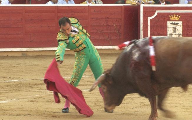 Oreja para Alberto Pozo y Sergio Felipe en la última novillada con caballos de la Feria de Albacete.