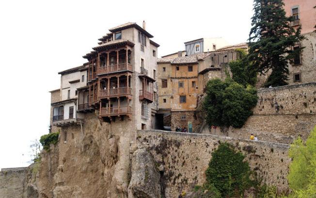 Vista de las Casas Colgadas en la ciudad de Cuenca. Foto de archivo.
