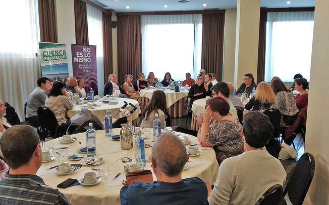 Desayuno informativo con Mª Ángeles García (Cuenca, En Marcha!), José García Molina (Unidas Podemos) y agentes sociales de la ciudad de Cuenca.