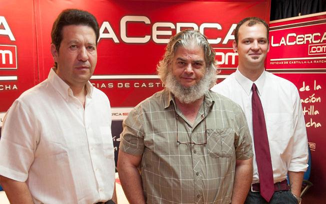 De izquierda a derecha: Juan Carlos Tébar, gerente del Hotel Felipe II de Ayna, León Molina, director de marketing de