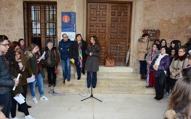 Acto de carácter comarcal, celebrado en El Bonillo, con motivo de la conmemoración del 25 de noviembre